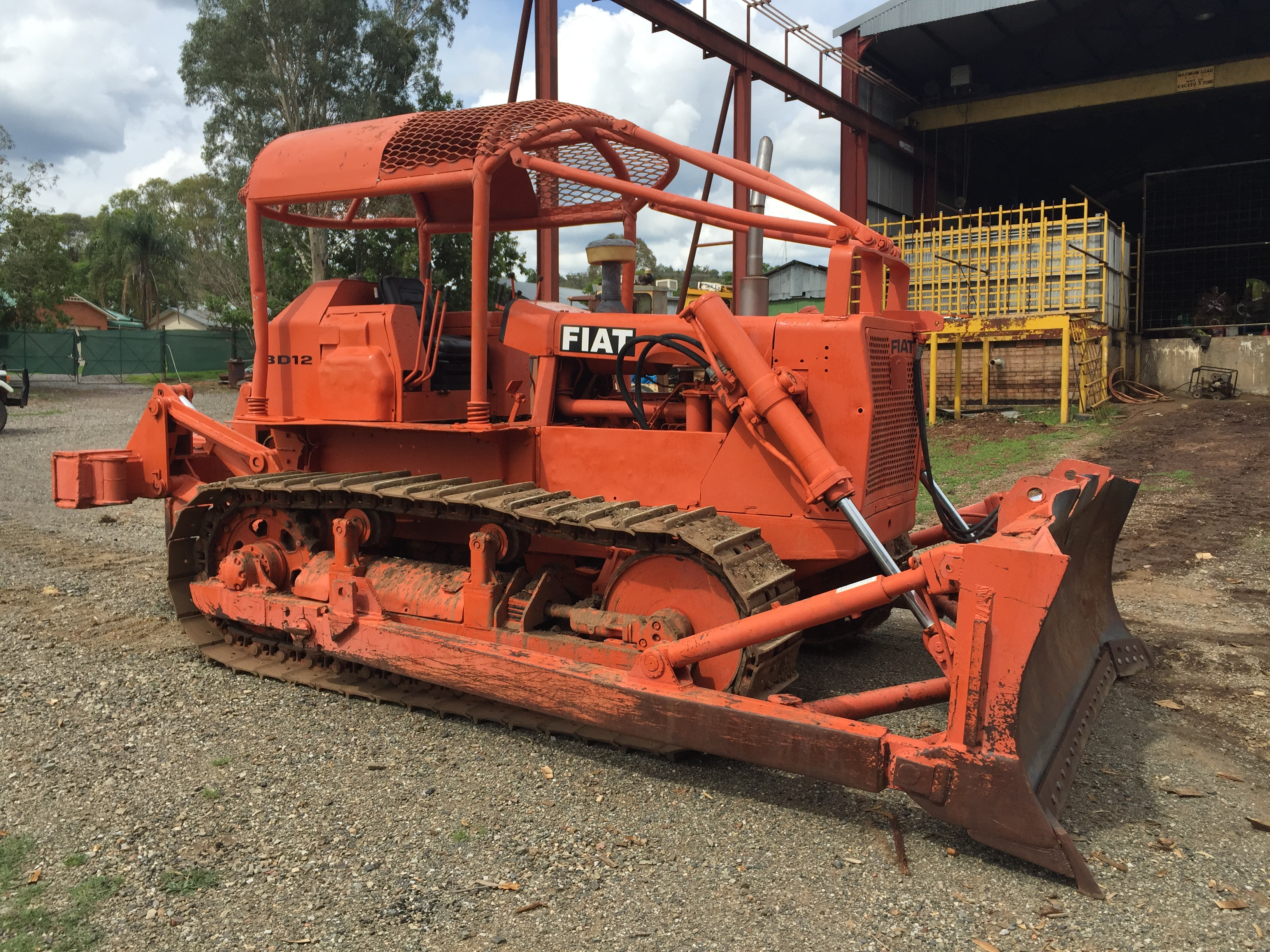 Bulldozer Tractor Body Parts : Complete list phil hunt parts